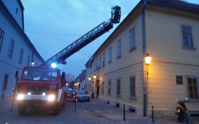 Spasavanje lastavice Kuhaceva 9,Osijek 17.06.2015 (3)